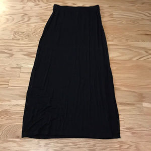 Old Navy black maxi skirt with side slits size S